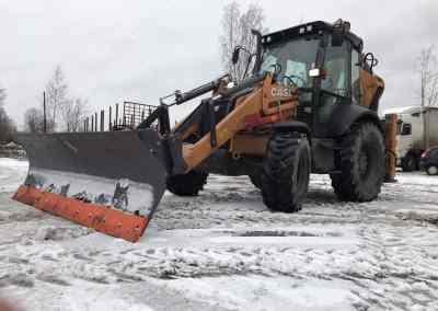 Экскаватор-погрузчик. Уборка улиц и дорог от снега - Петрозаводск, цены, предложения специалистов